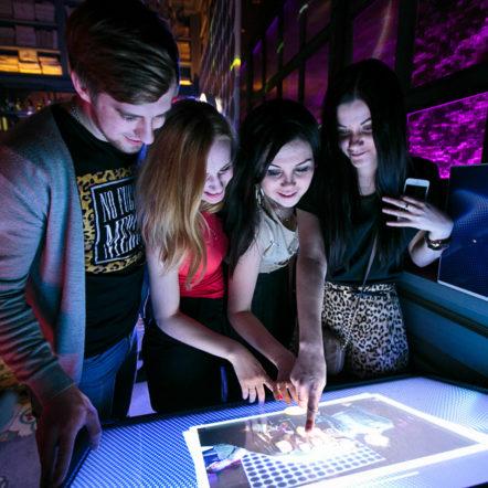 Фотосъёмка мероприятия и интерактивный сенсорный медиастол на промоакции