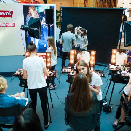 Репортажная фотосъёмка и студийная фотосъёмка с печатью фото для Levis